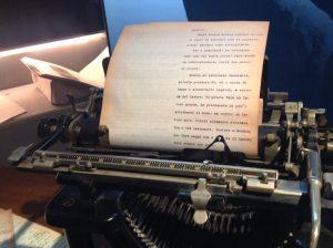 I fogli originali di Ernesto Schiapparelli nella Remington del Museo.