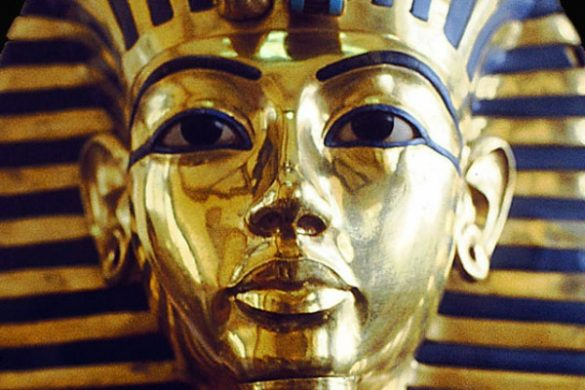 La maschera funeraria di Tutankhamon